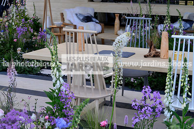 Table et chaise de jardin. Paysagiste : Hay Joung Hwang, CFS, Angleterre