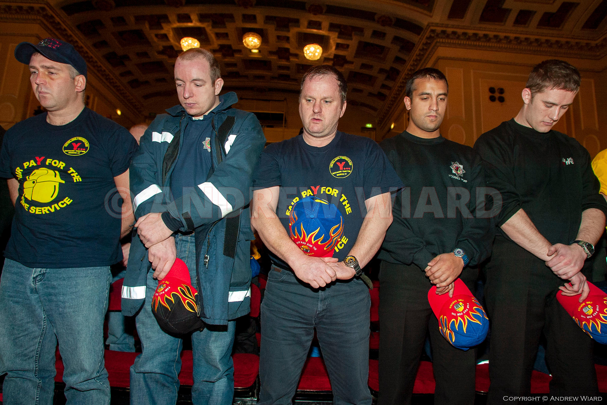 Scotland, UK.14.11.2002. Edinburgh. Fire Brigades Union (FBU) pay dispute. Two day national firefighters' strike.