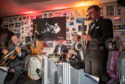 ANDREJ HERMLIN AND HIS SWING DANCE BAND - Sunny Bar - Kulm Hotel