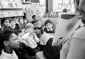 #77337,  Storytime, Vittoria Primary School, Islington, London.  1970.