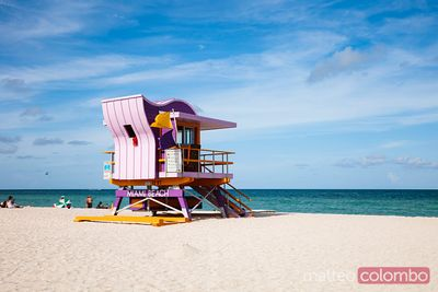 Iconic lifeguard cabin on South beach, Miami, USA