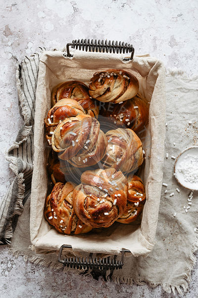 Baked cinnamon rolls into a basket