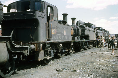 PHOTOS OF WR 1400 / 5800 CLASS 0-4-2T STEAM LOCOS
