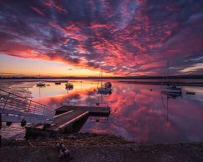 Dawn_sky_with_pontoon_and_boats_-_Turf_Locks