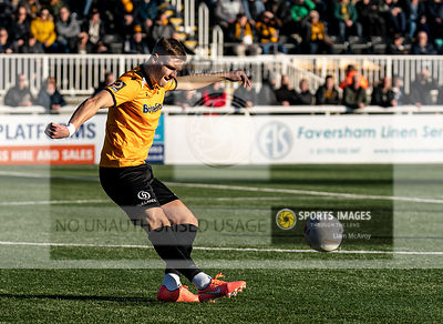 Maidstone United v Braintree Town