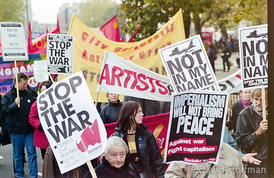 01111902-20 Peace march, London.19 Nov 2001