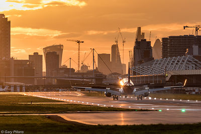 Embraer 170 landing at London City Airport