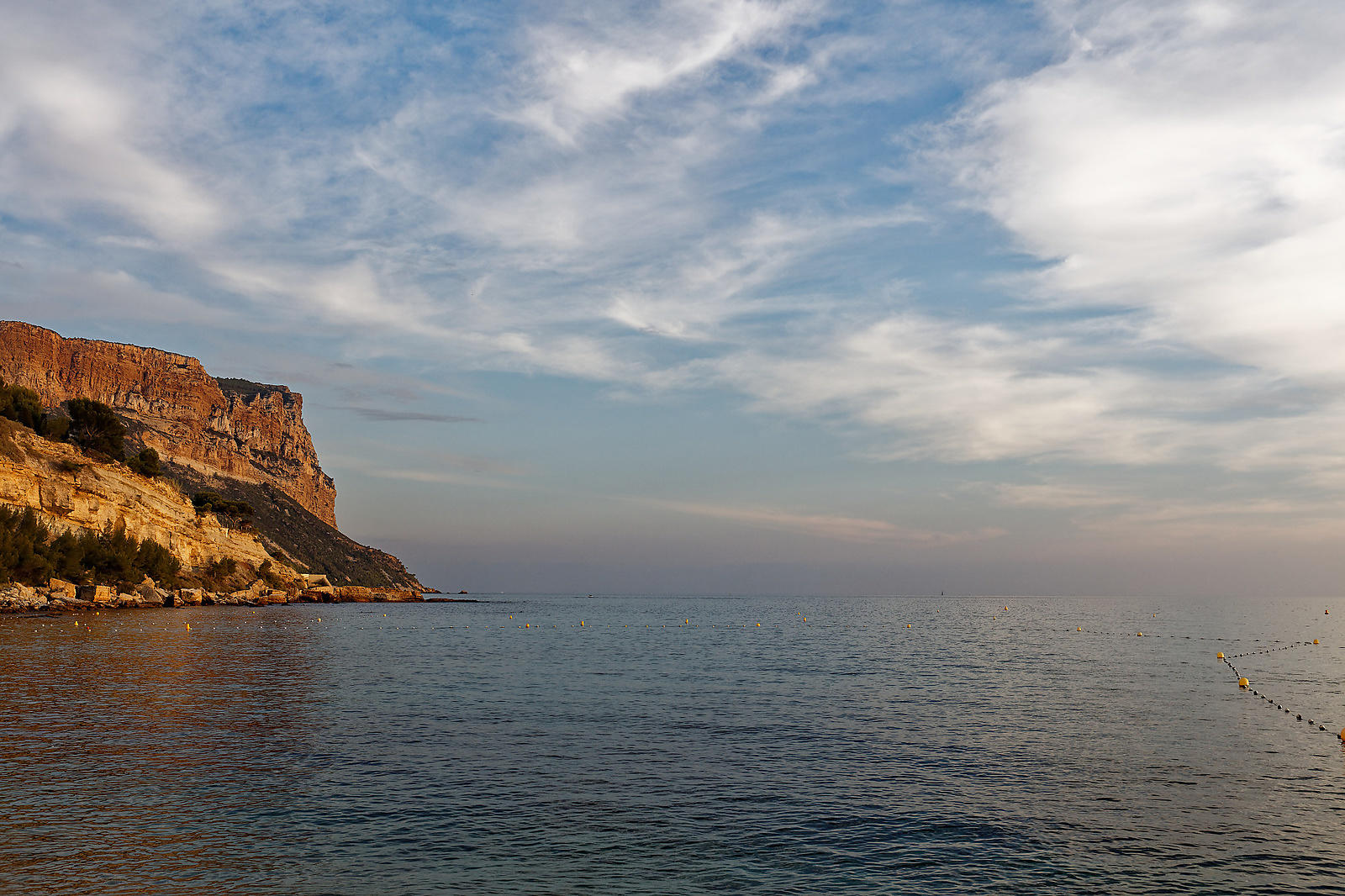 Cap Canaille cliff and Mediterranean (wide view)