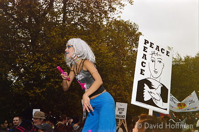 01111901-9a Peace march, London.19 Nov 2001