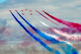 #052352,  RAF's Red Arrows display team at the Farnborough International Airshow.  2009.
