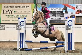New year unaffiliated showjumping. Stapleford Abbotts. United Kingdom MANDATORY Credit Garry Bowden/Sport in Pictures - NO UN...