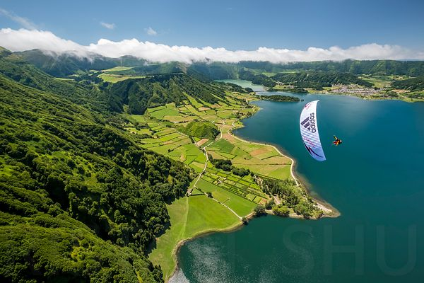 Flying in Sete Cidades with JB Chandelier