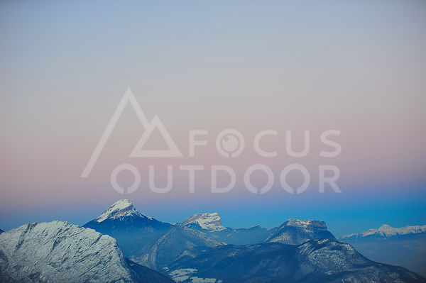 chartreuse-HD_focus-outdoor-0001