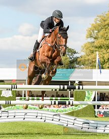 Tim Price and BANGO - Show jumping and prizes - Land Rover Burghley Horse Trials 2019