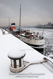 Image - Paddle Steamer Waverley, frozen River Clyde, Glasgow, Scotland.
