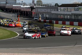Start of Race, MICHAEL COMBER MAZDA MX5 leads