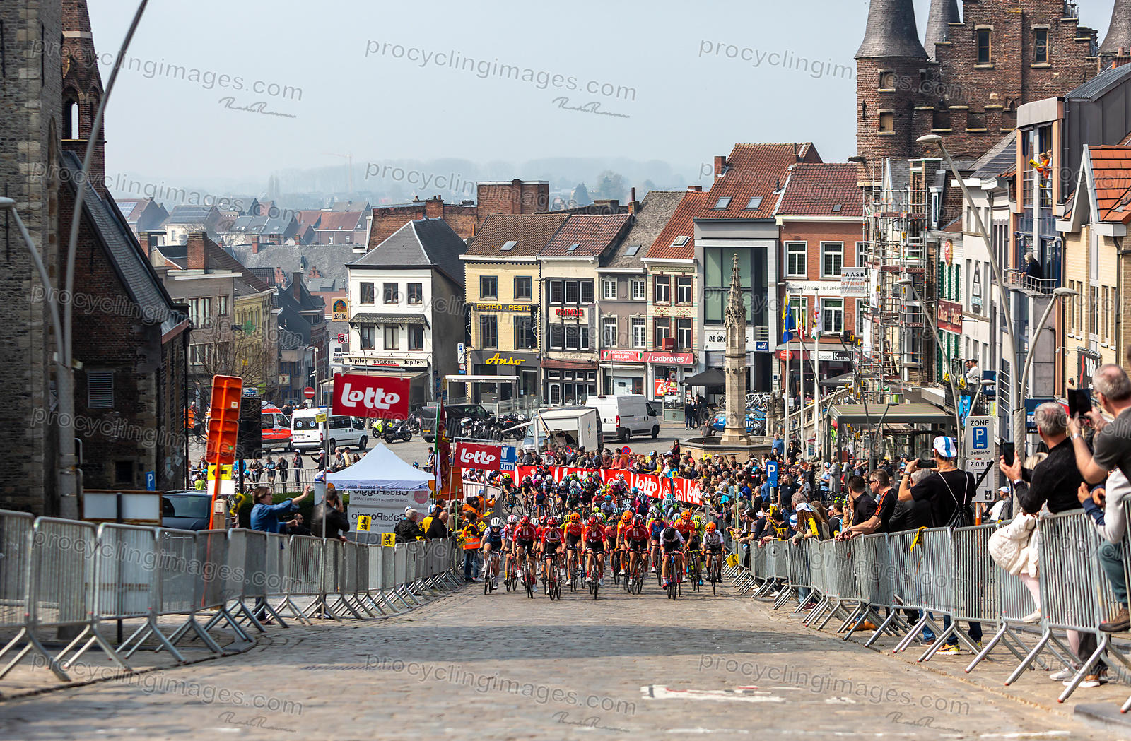 The Feminine Peloton - Tour of Flanders 2019