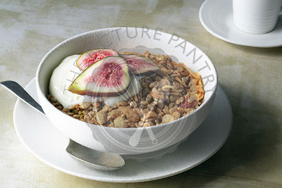 Toasted muesli with yoghurt and figs.