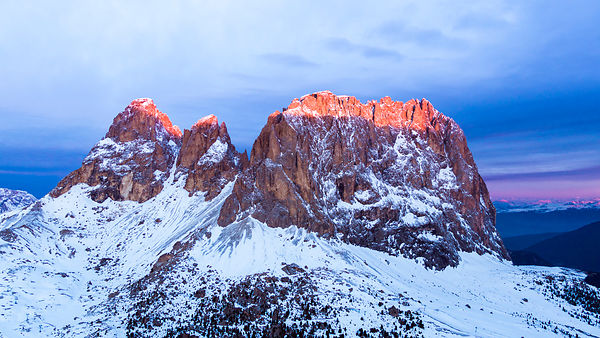First Light on Sassolungo