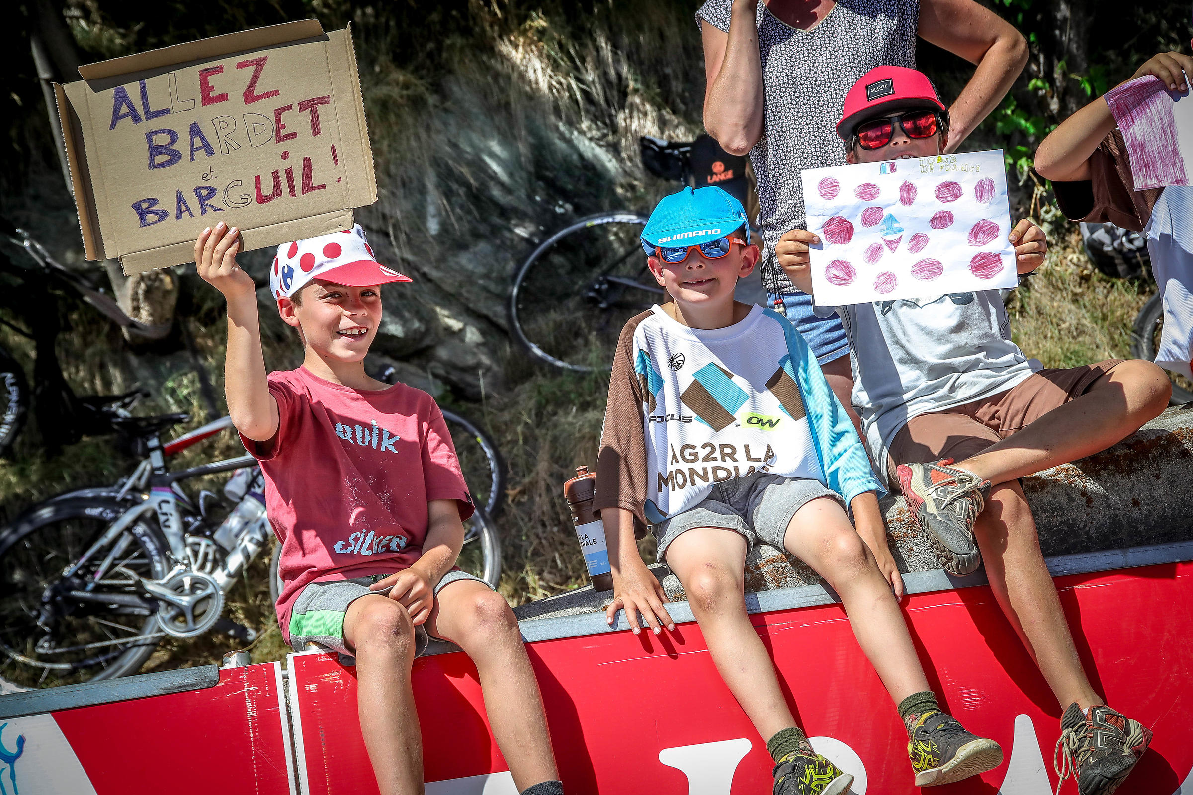 Le tour de France Alpe d'Huez 2018 l'envers du decor pour le magazine  Cyclist France