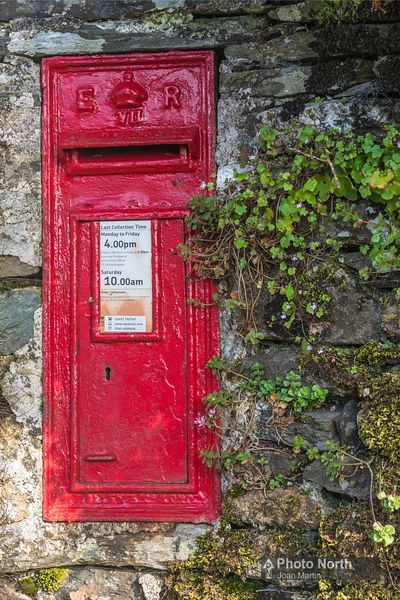 KENTMERE 55A - Edward V11 post box