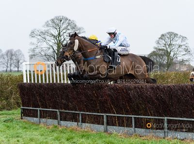 Tommie O'Brien and NO LIMITATIONS - Race 5 - Restricted - The Midlands Area Club at Thorpe Lodge 26/1
