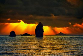 lipari,italy,superyacht,sunset,sunrise,islands,sea,water,ocean