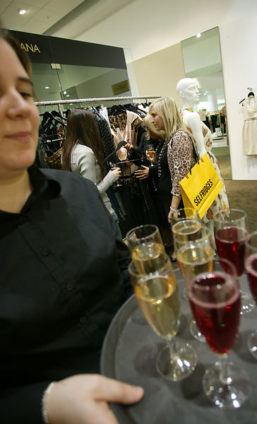 Selfridges Trafford Centre Fashon Evening...Picture by Damien Maguire / Contact Digital Photography..Licensed for Royalty Fre...
