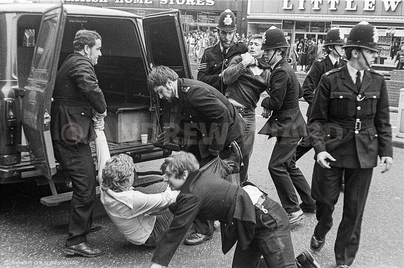 England, UK . 13.8.1977. London. Lewisham. The Battle of Lewisham. After anti-fascist counter-demonstration confronts a Natio...