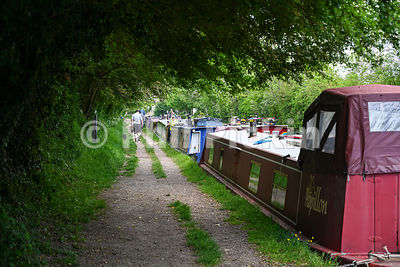 Moored narrowboats near Crick