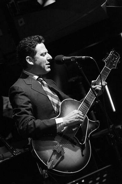 John-Pizzarelli-Duc-2012-1NB