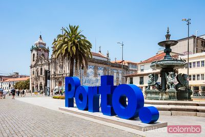 Welcome sign in Gomes Teixeira square, Porto, Portugal