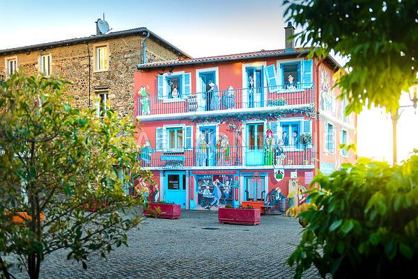 Village de Clochemerle, Vaux en Beaujolais, France