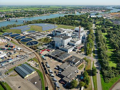 Dordrecht, HVC waste-to-energy plant and WWTP (AWZI) Dordrecht with the Crayestein solar park | 306178